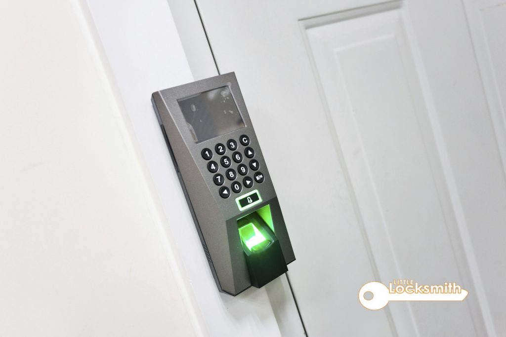 Electronic-Lock-Little-Locksmith-Singapore-1_wm
