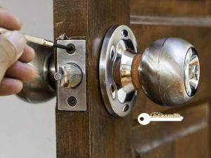 Lock-Repair-Singapore-Little-Locksmith-Singapore_wm