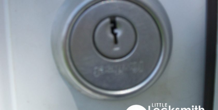 door lock installation little locksmith singapore hdb tampines