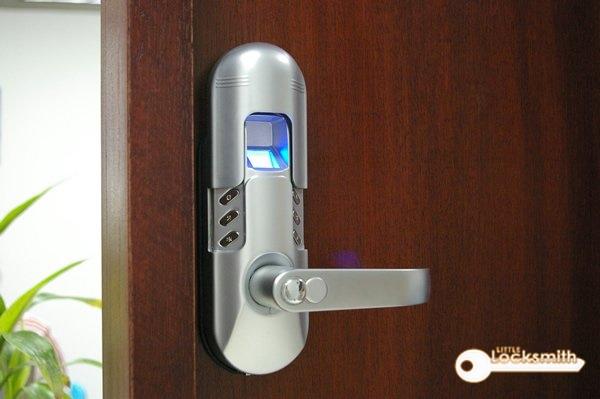 reliable-locksmith-singapore-little-locksmith-singapore_wm