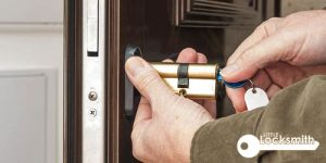 What does a residential locksmith do_wm little locksmith services singapore