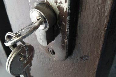 door-lock-cylinder-replacement-singapore-landed-mayflower-terrace-2-little-locksmith-singapore_wm