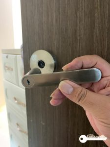 door-handle-spoil-singapore-hdb-punggol_wm