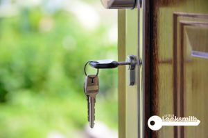 key-stuck-in-lock-little-locksmith-singapore_wm