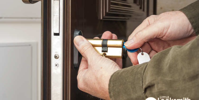 locksmith-services-door-lock-installation-locksmith-singapore_wm