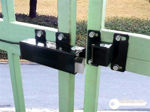 gate-lock-services-locksmith-singapore_wm
