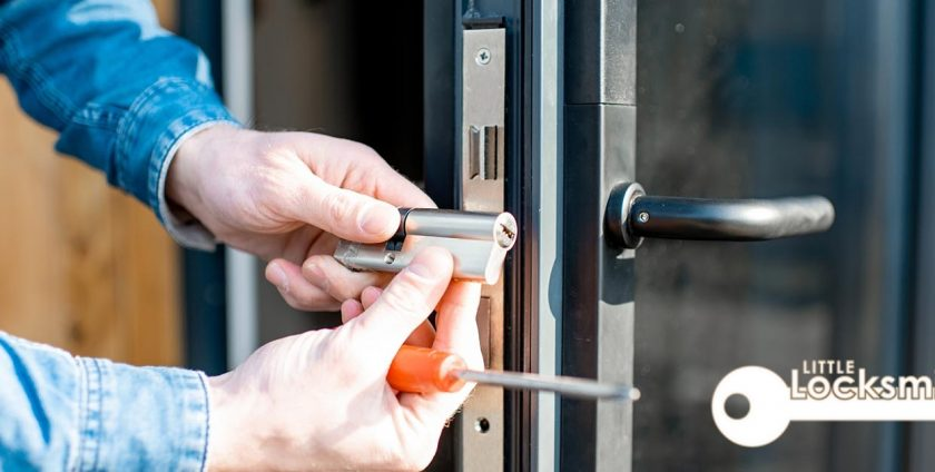 Here Are The Ways A Commercial Locksmith Is Useful To You little locksmith services singapore._wm