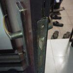 stuck-bolt-in-door-lock-a1-handyman-singapore-little-locksmith-singapore_wm
