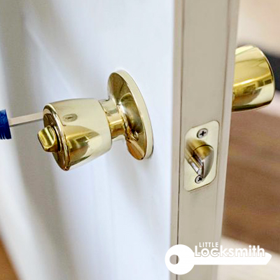 unlock door knob residential locksmith services singapore